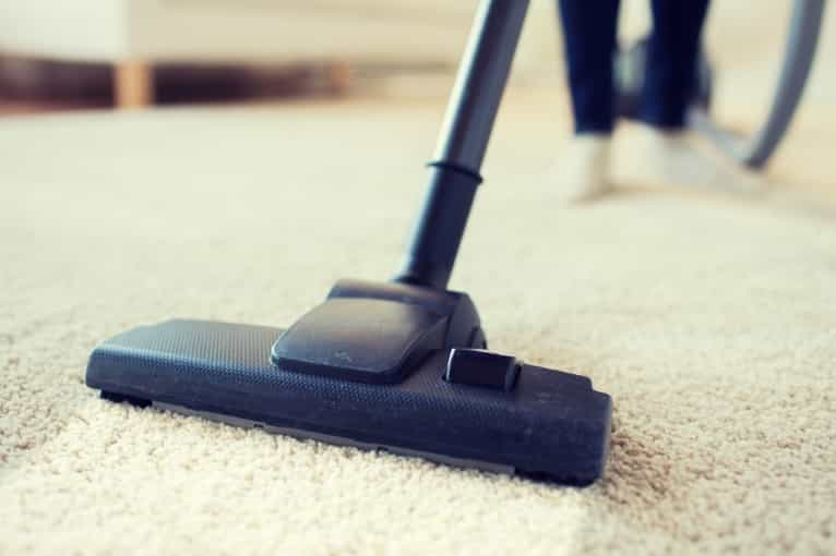 Different methods of cleaning out carpets