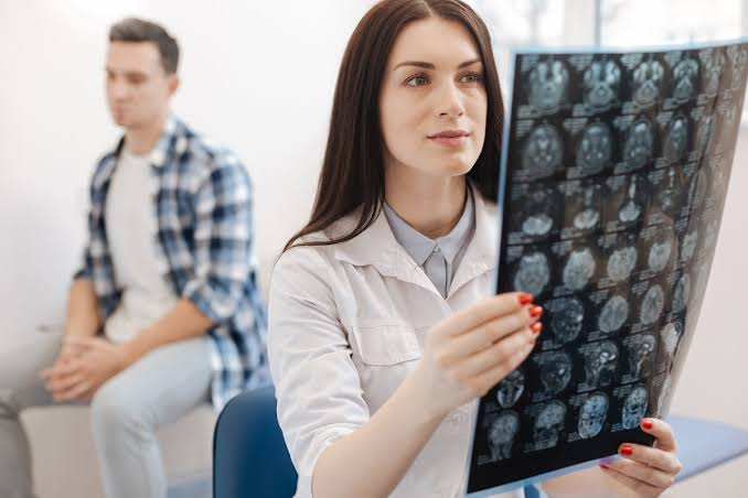 Tips on finding the right neurologist